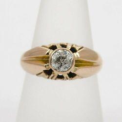 Złoty pierścionek z diamentem P1544