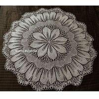 Obrusy, Obrus koronkowy (robiony na drutach) śred. 96 cm (bd)