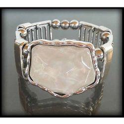Stylowa bransoletka z dużym perłowym kamieniem - biały