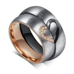 Obrączki Ślubne ze stali chirurgicznej - komplet. Satynowane z kształtem serca.