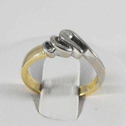 Złoty pierścionek z diamentem P1459