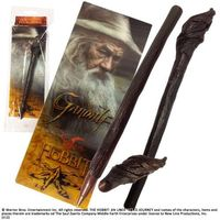Rzeźby i figurki, Długopis - laska Gandalfa z filmu Hobbit Noble Collection (NN1215)