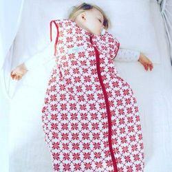 Śpiworek do spania czerwone gwiazdy